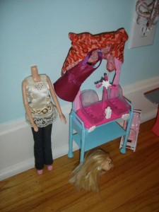 Oh, dear. It appears that Hannah Montana has lost her head. (I knew she wouldn't last...) ~ Originally Posted 11/9/10