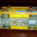 disney-school-bus-lunchbox-bottom-550x412